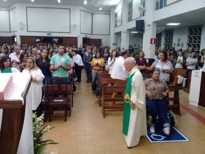 Primeiro dia do Tríduo de São Pedro Julião Eymard, em Sete Lagoas