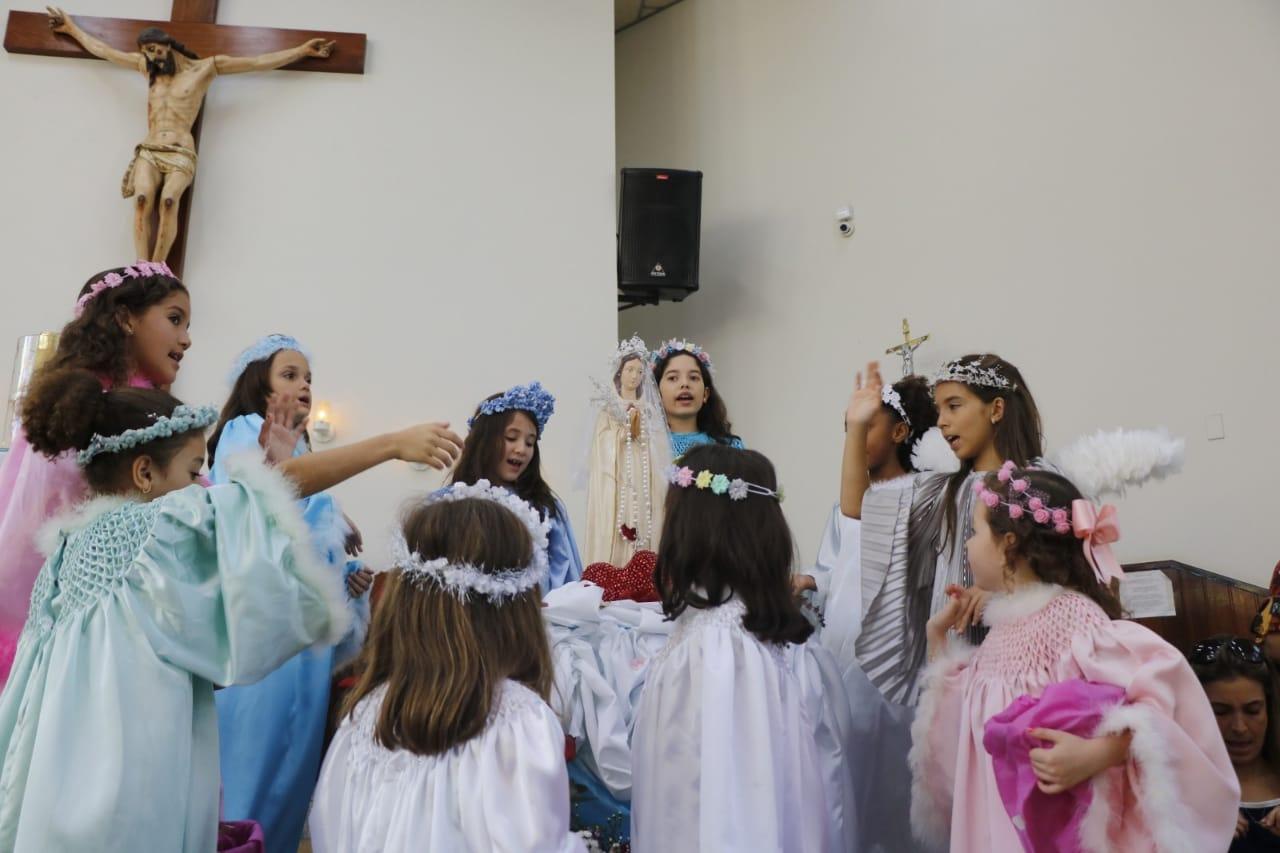 Realizada Coroação de Nossa Senhora no Dia das Mães