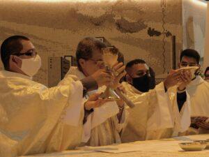 Padre Haroldo Paiva,sss e Padre Eduardo Sales,sss são os novos presbíteros Sacramentinos.