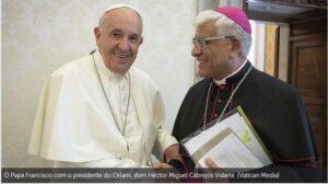 """Francisco, cirurgia: Celam expressa sua """"proximidade e oração"""" ao Papa"""